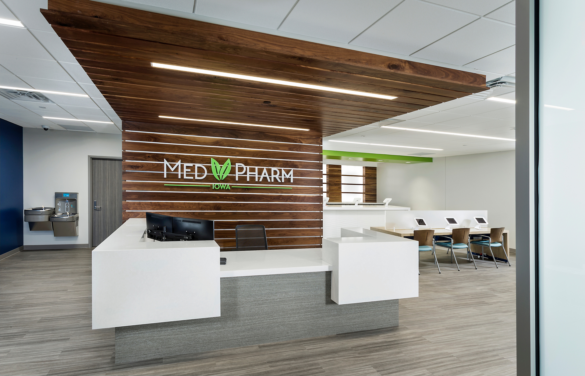 dras-cases-medpharm-iowa-custom-millwork-design-1920x1920